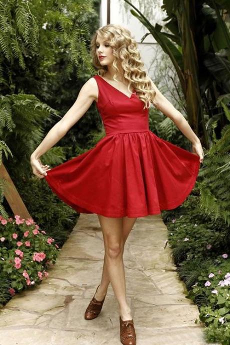Cute A-Line V-Neck Red Short/Mini Homecoming/Party Dress
