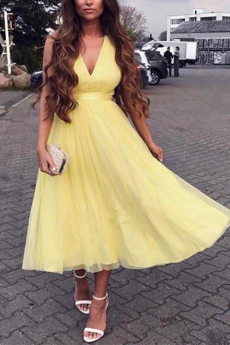Charming A-Line V-Neck Yellow Tulle Criss Cross Homecoming/Prom Dress