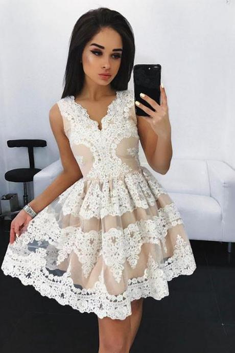 Stylish A-Line V-Neck Tulle Lace Short Homecoming/Prom Dress