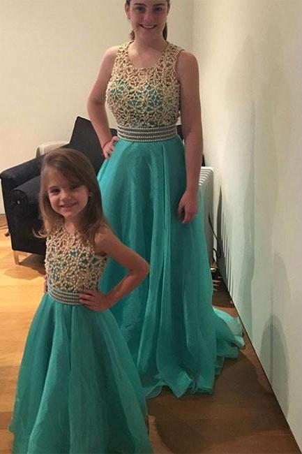 Stylish A-Line Round Neck Green Tulle Long Prom/Bridesmaid Dress with Beading